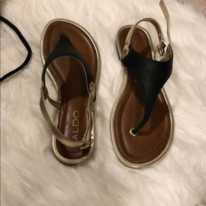 Aldo Black and gold sandals - Size 6